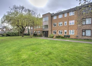 3 bed flat for sale in Dukes Drive, Leicester LE2