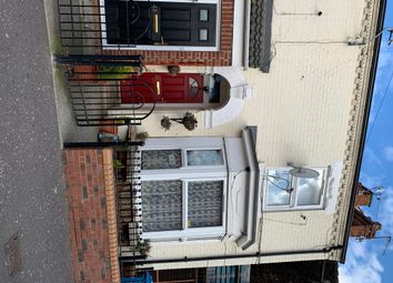 Thumbnail Semi-detached house for sale in Hawthorn Avenue, Hull