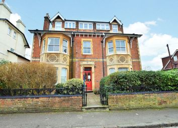 Thumbnail 2 bed flat to rent in Milman Road, Reading, Berkshire