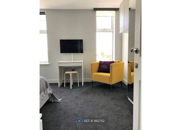 Room to rent in Barton Road, Eccles, Manchester M30