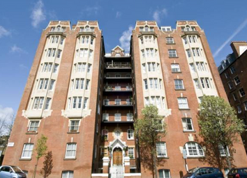 Thumbnail Room to rent in Windsor Court, Bayswater, Central London