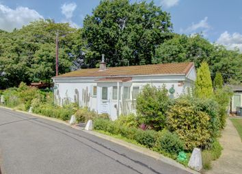 2 bed mobile/park home for sale in Temple Grove Park, Bakers Lane, West Hanningfield, Chelmsford CM2