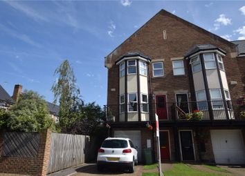 4 bed town house for sale in Thornbury Avenue, Leeds, West Yorkshire LS16