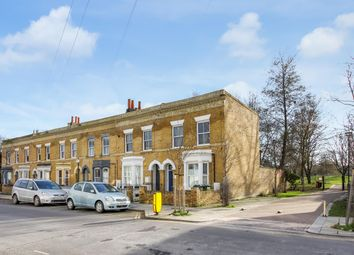 Lilford Road, London SE5. 2 bed flat for sale