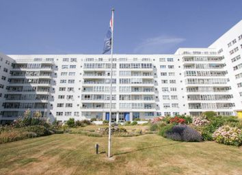 Marine Gate, Marine Drive, Brighton BN2. 2 bed flat for sale