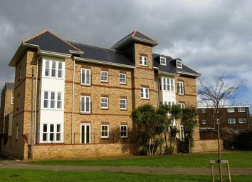 Thumbnail 2 bed flat to rent in Simeon Street, Ryde