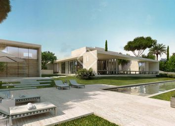 Thumbnail 5 bed villa for sale in Spain, Andalucía, Costa Del Sol, Marbella, Estepona, Mrb8623