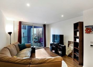 Thumbnail Flat for sale in Rossetti Apartments, Saffron Central Square, Croydon