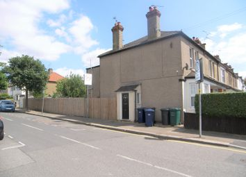 Thumbnail 1 bed flat to rent in Mays Lane, High Barnet