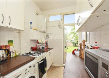 Thumbnail 4 bed property to rent in Lyndhurst Road, London