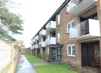 Thumbnail 2 bed flat to rent in Orchard Court, Turners Drive, Thatcham, 4Qg.