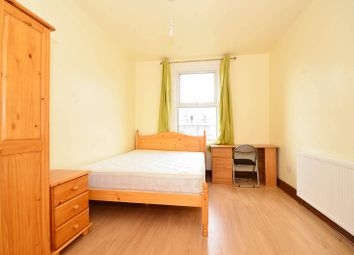 Thumbnail 4 bed detached house to rent in Idmiston Road, Stratford