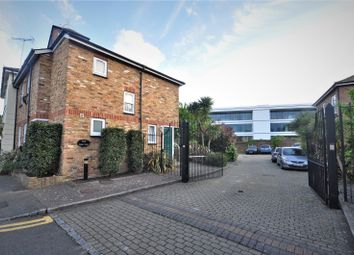 2 bed maisonette to rent in The Maltings, Church Street, Staines-Upon-Thames, Surrey TW18