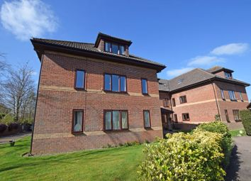 2 bed property for sale in St. Marys Close, Alton GU34