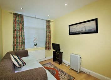 Thumbnail 1 bed flat to rent in Cranbourne Gardens, Golders Green
