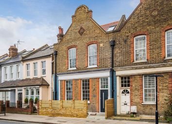 2 bed flat for sale in Whitton Road, Twickenham TW1