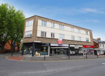 Thumbnail 2 bedroom flat to rent in Clarence Street, Swindon