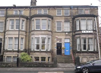 2 bed flat to rent in East Parade, Harrogate HG1