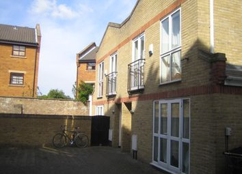 Thumbnail 6 bed mews house to rent in Tabley Road, Islington, Holloway, North London