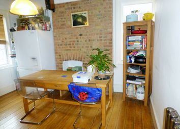 2 bed terraced for sale in London Road