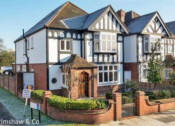 Carbery Avenue, Acton, London W3. 4 bed detached house
