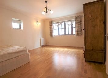 Thumbnail 2 bed flat to rent in Wedmore Street, Islington
