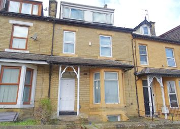 2 bed flat to rent in Laisteridge Lane, Bradford, West Yorkshire BD7