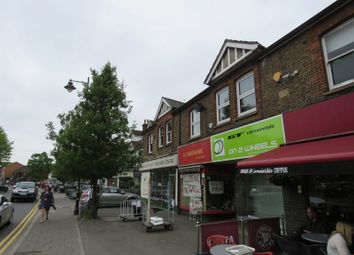 2 bed flat to rent in The Parade, Bourne End SL8