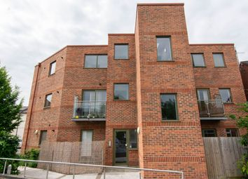 2 bed flat to rent in Millbrook Street, Cheltenham GL50