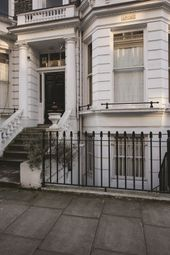 Thumbnail 1 bed flat to rent in Stafford Terrace, Kensington, London