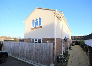 3 bed property to rent in Freshbrook Road, Lancing BN15