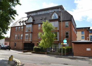 Thumbnail 1 bed flat to rent in West Street, Newbury