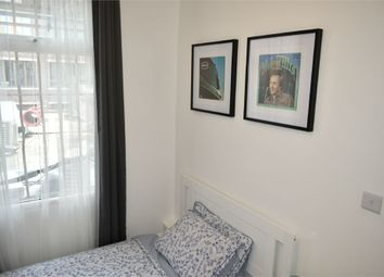 Room to rent in Kingsland Road, London E2