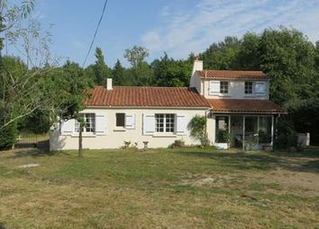 Thumbnail 4 bed property for sale in St-Vincent-Sur-Graon, Vendée, France
