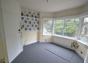 Thumbnail 1 bed flat to rent in Bath Road, Taplow, Maidenhead, Berkshire.