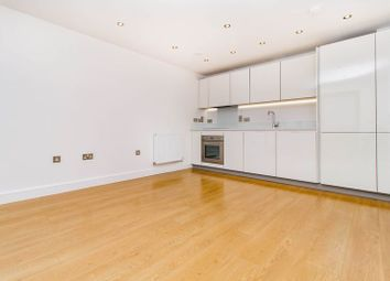 Thumbnail 2 bedroom flat to rent in The Broadway, Loughton