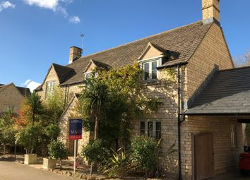 Thumbnail 5 bed detached house for sale in Hyde Close, Cirencester, Gloucestershire