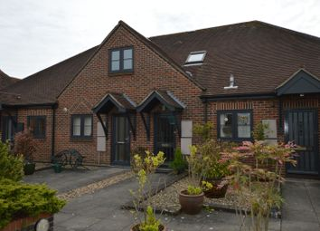 Thumbnail 1 bed flat to rent in The Maltings, Petersfield