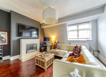 Gaskell Street, London SW4. 2 bed flat for sale