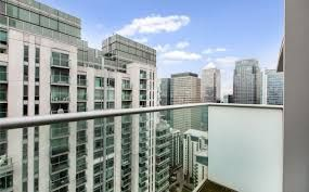 Thumbnail 1 bed flat to rent in East Tower, Canary Wharf