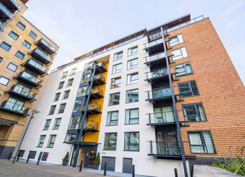 Thumbnail 4 bedroom flat to rent in Boardwalk Place, London