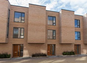 Thumbnail 3 bed town house to rent in Brackenbury Road, London