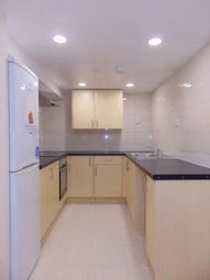 Thumbnail 3 bedroom flat to rent in Carlton Place, Southampton