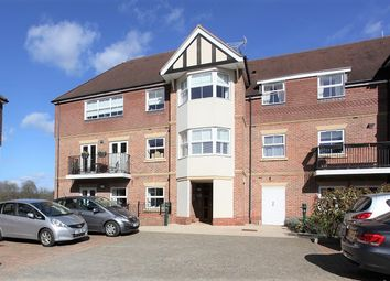 Thumbnail 2 bed flat for sale in Bramshott Place, Hampshire