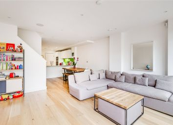 Edwards Cottages, London N1. 4 bed terraced house for sale