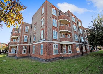 Thumbnail 4 bed flat for sale in Malden Way, New Malden, Surrey