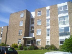 Thumbnail 2 bed flat to rent in Sutton, Surrey