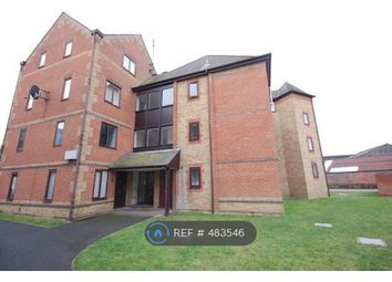 Thumbnail 1 bed flat to rent in Regent Court, Reading