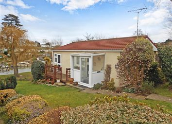 Thumbnail 2 bed mobile/park home for sale in Lower Road, East Farleigh, Maidstone, Kent
