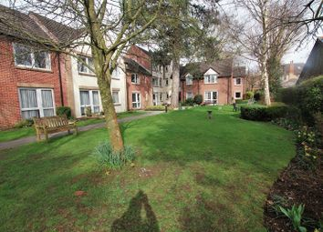 Thumbnail 2 bed flat for sale in Grovelands Avenue, Swindon